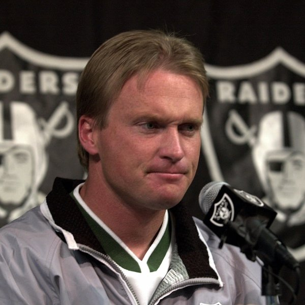 Raiders_Gruden_Football_42863-159532.jpg23065683
