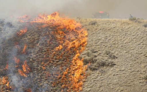 Fire burns 3,640 acres near Lake Mead northeast of Las Vegas